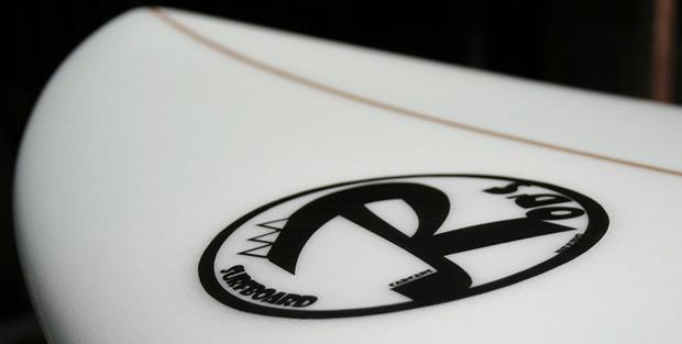 Décoration sur planche de surf